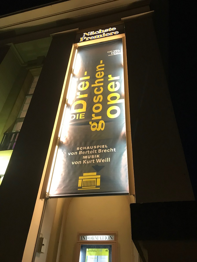 Premiere Dreigroschenoper Anhaltisches Theater Dessau am 02.03.2018