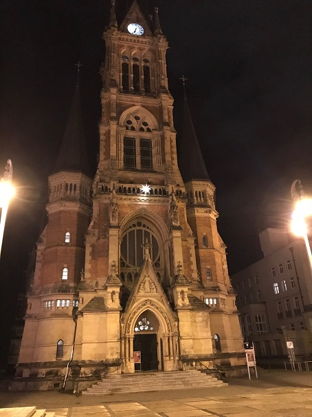 Petrikirche am Theaterplatz in Chemnitz.
