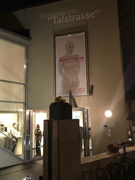 Bodytopia Ausstellung von Olaf Martens in der Talstrasse in Halle. Kulturspalte.