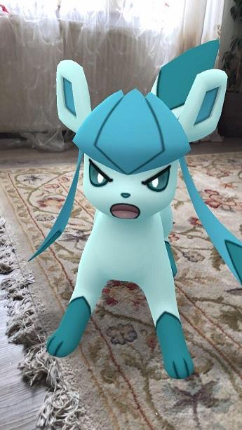 Geflüchtetes Pokémon in aggressiver Kampfstellung.